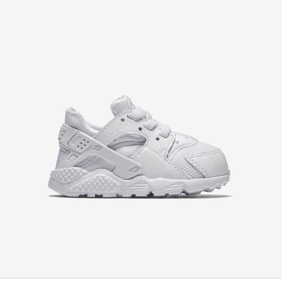 27cc5bc36105 Infant Nike Huarache sneaker. M 5baaa0103e0caaf066b749cd